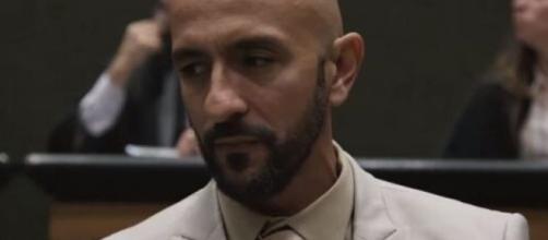 Álvaro descobre traição de Amanda e mata o pai dela. (Reprodução/TV Globo)