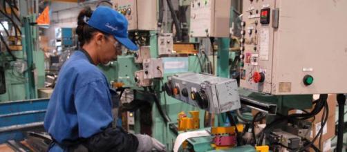 Mexicanos recibirán incremento del salario mínimo.