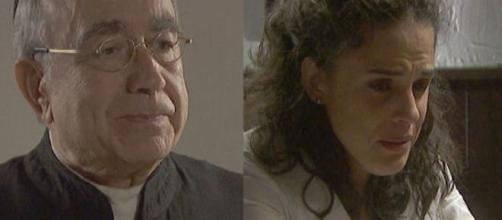 Il Segreto, spoiler: Don Anselmo torna in paese, Esther rivela al padre di avere un debito