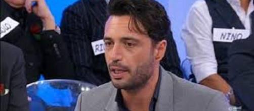 Uomini e donne, puntata del 19 dicembre: Armando esce dal programma con Veronica