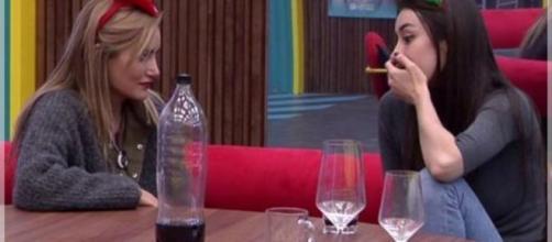 Alba Carrillo le dice a Adara lo que hace en las primera citas