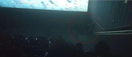 Briga foi parar na frente da tela. (Reprodução/G1)
