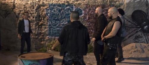 Em 'Amor Sem Igual', Pedro Antônio será atacado por neo nazistas. (Divulgação/Record TV)