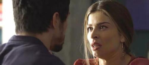"""Paloma (Grazi Massafera) viverá momentos de tensão com Marcos (Romulo Estrela) em """"Bom Sucesso"""". (Reprodução/TV Globo)"""