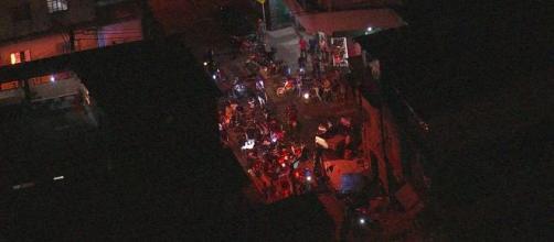 Moradores fazem protesto em Paraisópolis após morte de nove pessoas em ação da PM. (Reprodução/TV Globo)