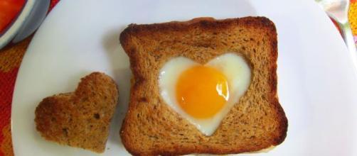 Rico y divertido Sándwich de desayuno