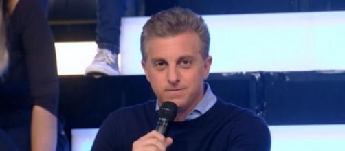 """Apresentador Luciano Huck fará uma ponta em """"Amor de Mãe"""". (Reprodução/TV Globo)"""