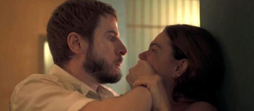 Vicente (Rodrigo Garcia) e Betina (Isis Valverde) protagonizaram cenas polêmicas em 'Amor de Mãe'. (Divulgação/ TV Globo)