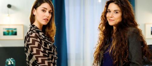 Serena (Miriam Candurro) e Viviana (Angela Bertamino), protagoniste della soap 'Un posto al sole'.