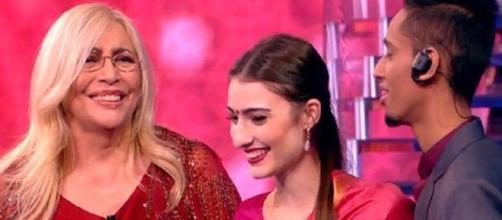 Sofia ha incontrato il fidanzato indiano conosciuto su Instagram grazie a La porta dei sogni di Mara Venier.