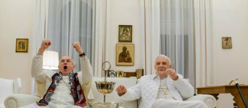 Jonathan Pryce e Anthony Hopkins fazem parte do elenco do filme 'Dois Papas' de Fernando Meirelles. (Arquivo Blasting News)
