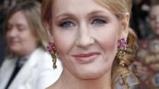 J.K. Rowling defiende a una mujer despedida por afirmaciones transfóbicas