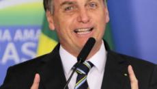 Bolsonaro deseja Feliz Natal, 'mesmo sem carne para algumas pessoas'