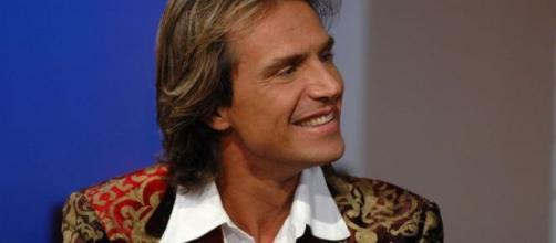 Antonio Zequila è il settimo concorrente della casa più spiata d'Italia