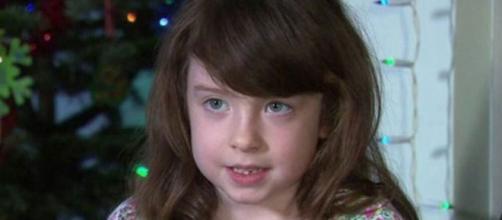 Florence Widdicombe, de seis anos, diz que encontrar a mensagem a deixou chocada. (Reprodução/BBC)
