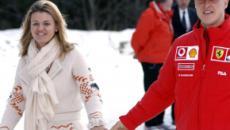 Esposa de Schumacher quebra o silêncio e diz: 'grandes coisas começam com pequenos passos'