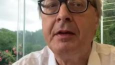 Stasera Italia, Sgarbi contro governo M5S-Pd: 'Ma chi sono questi dementi?' (VIDEO)