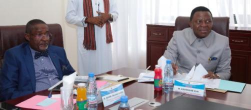 Enow Abrams Egbe, Président d'Elections Cameron et Erik Essousse, directeur général des élections. Credit: Twitter/Elecam237
