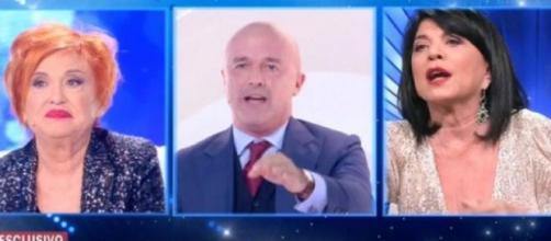 Live Non è la D'Urso, scontro tra Wanna Marchi, la figlia Stefania Nobile e il giornalista Gianluigi Nuzzi.