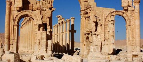 Putin's offer to rebuild Syria's war-torn city of Palmyra comes with indebtedness. [Image source: Flickr Dan]