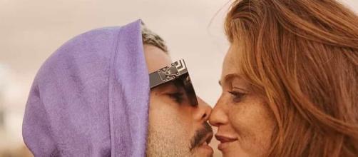 Pedro Scooby e Cintia Dicker assumiram namoro em outubro. (Arquivo Blasting News)
