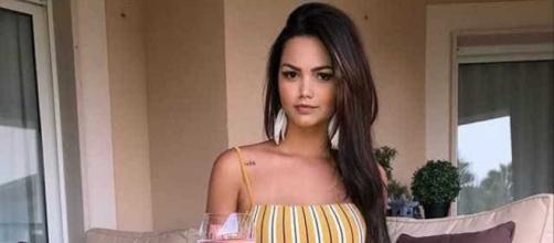 Suzanna Freitas rebate críticas após postar foto sensual. (Arquivo Blasting News)