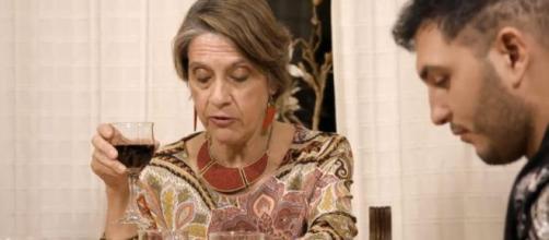 Omar Montes y Pilar Gutiérrez en 'Ven a cenar conmigo'. / Mediaset