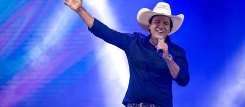 Cantor da música 'Não Aprendi Dizer Adeus' falece no Paraná. (Arquivo Blasting News)