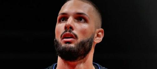 Evan Fournier score 31 points contre les Wizards (Credit Image : Twitter NBA)