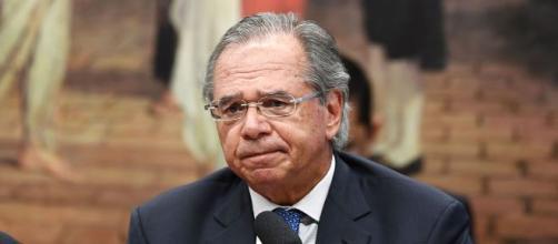 Financial Times aponta preocupação de analistas diante das revisões dos dados da economia brasileira. Foto: Arquivo BlastingNews.
