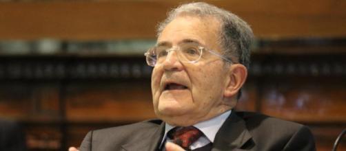 Secondo Nicola Porro il leader delle sardine non può negare di conoscere Prodi