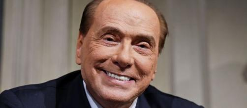 "Silvio Berlusconi la vuelve a liar: ""Os dejo que me tengo que ir de put.."""