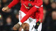 Premier League: Manchester United beat Tottenham Hotspur 2-1
