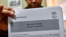 Reddito di cittadinanza, Inps sblocca la procedura per l'assegno agli extracomunitari