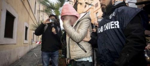 Omicidio Sacchi, Anastasia ha risposto alle domande del gip: 'Non sapevo di avere 70 mila euro nel mio zaino'.