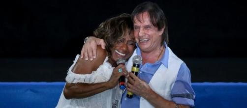 Roberto Carlos e Glória Maria nutrem um carinho um pelo outro. (Arquivo Blasting News)
