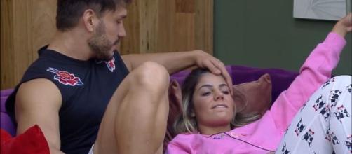 Roça entre Lucas e Hariany foi cancelada por falha na prova. (Reprodução/Record TV)