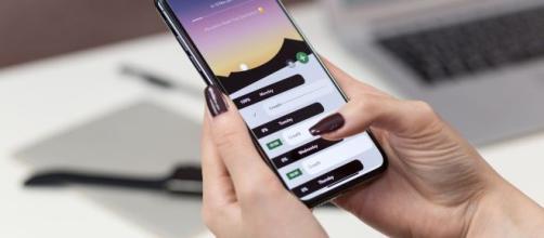 Truffa sui cellulari - finge di essere Poste Italiane e ruba i dati personali con un sms