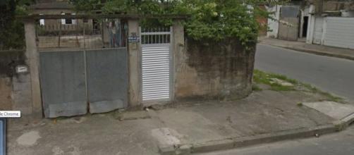 Vítimas estavam nesta casa. (Reprodução/ Google Street View)