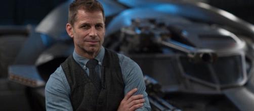 Zack Snyder continua empenhado em ver sua versão de 'Liga da Justiça' ser lançada. (Arquivo Blasting News)