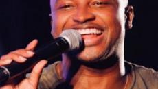 Durante show, Thiaguinho fica emocionado ao cantar música composta para Fernanda Souza