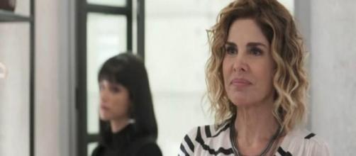 Eugênia (Helena Fernandes) será mais uma vez preconceituosa com Paloma (Grazi Massafer) e levará bronca. (Reprodução/TV Globo)