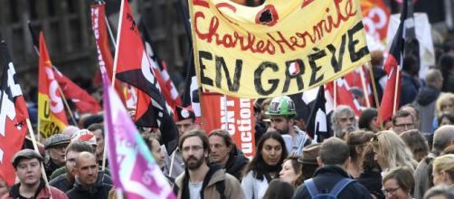 França tem greve geral contra o projeto da reforma da Previdência promovida pelo presidente Emmanuel Macron. (Arquivo Blasting News)