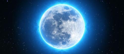 L'oroscopo dell'8 dicembre 2019: la Luna entra in Toro, domenica favorevole ai segni di Terra