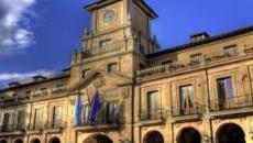Hoteles de lujo y cenas del alcalde Oviedo habrían sido pagadas con dinero público
