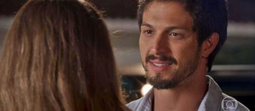 Marcos quer provar crimes de Elias para proteger Paloma em 'Bom Sucesso'. (Arquivo Blasting News)
