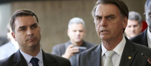 Segundo colunista, Bolsonaro estaria desconfiado. (Arquivo Blasting News)