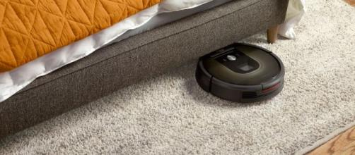 Roomba 980 robot smarter, yet still dumb enough to bash into walls ... - fortune.com