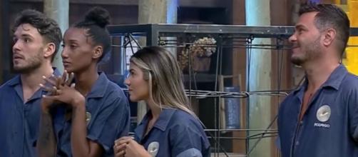 Sabrina Paiva, Rodrigo Phavanello, Hariany Almeida e Lucas Viana estão na roça. (Reprodução/Record TV)