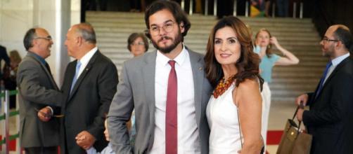 Túlio Gadêlha prestigia apresentação de Fátima. (Arquivo Blasting News)